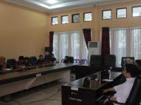 Audiens antara Komisi I DPRD Sinjai dengan Aliansi GERAM di Kantor DPRD Sinjai, Sulsel. Senin, (30/3).