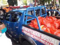 Proses pendistribusian sembako di Kabupaten Bantaeng.